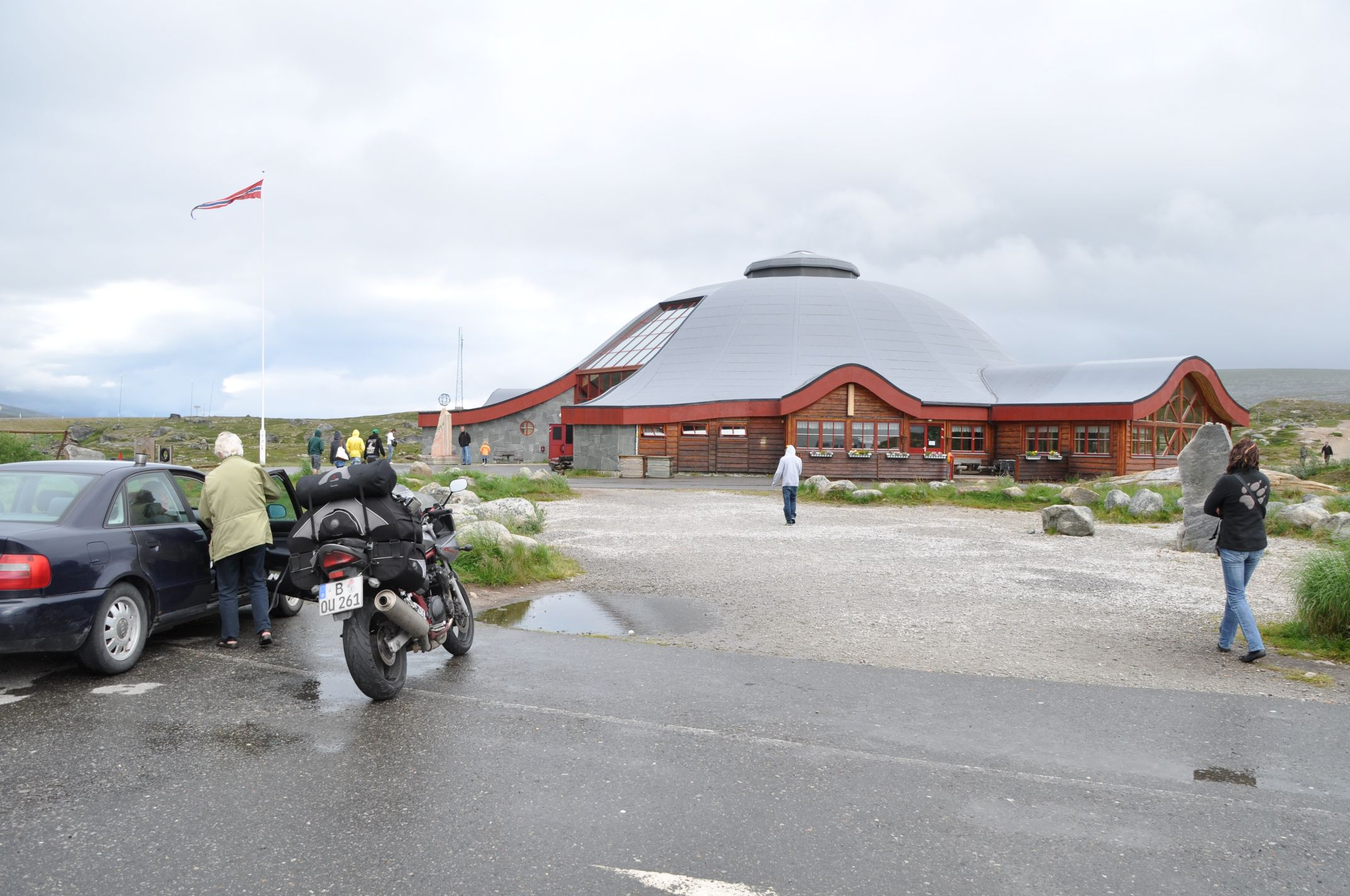 das Polarkreiszentrum an der E6