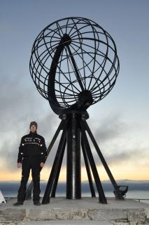Nordkapglobus und ich