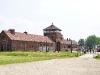 das Eingangsgebäude in Auschwitz-Birkenau