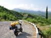 besserer Asphalt und viele kurvige Berge