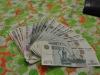 Rubel zählen für die Fähre