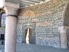 der Eingang einer Kirche