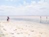 Touristen nutzten das Peeling des Salzsees