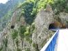 die Straße führte immer durch oder an der Felswand entlang